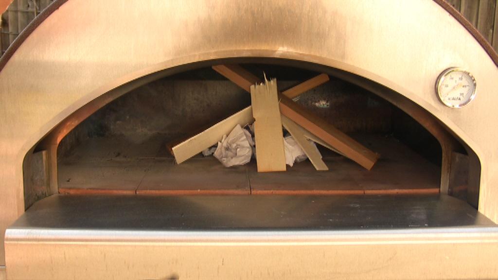 Video ricetta pane nel forno a legna le ricette di - Temperatura forno a legna pizza ...