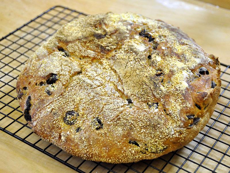 La Ricetta per il Pane Semplice con le Olive