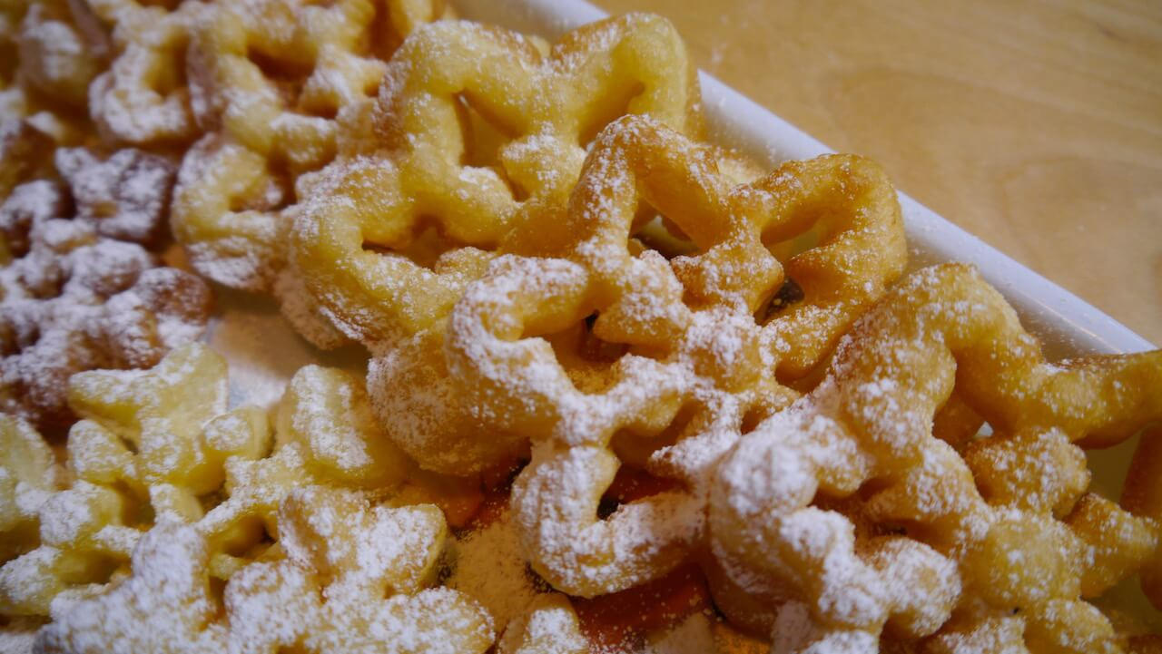 Frittelle dolci con stampini